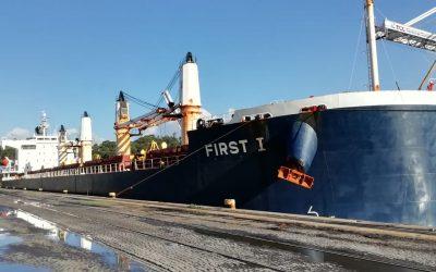 Silos de Leixões recebe o maior navio de sempre